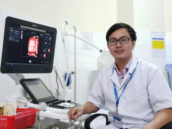 Bác sĩ siêu âm thai: 'Khó nhất là đọc chính xác bất thường của em bé' - Ảnh 1