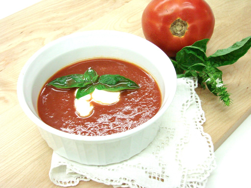 Nấu dậu hũ với cà chua cho bé ăn ngon miệng hơn