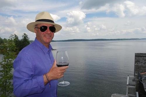 Kevin OLeary là nhà đầu tư và triệu phú nổi tiếng thế giới. Ảnh: Kevin OLeary