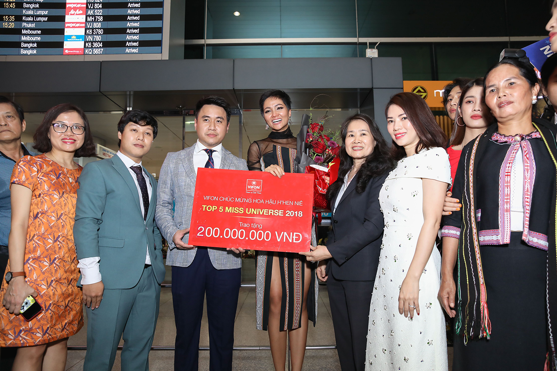 Vừa trở về từ Miss Universe, H'Hen Niê đã dành 100% tiền thưởng làm từ thiện - Ảnh 1