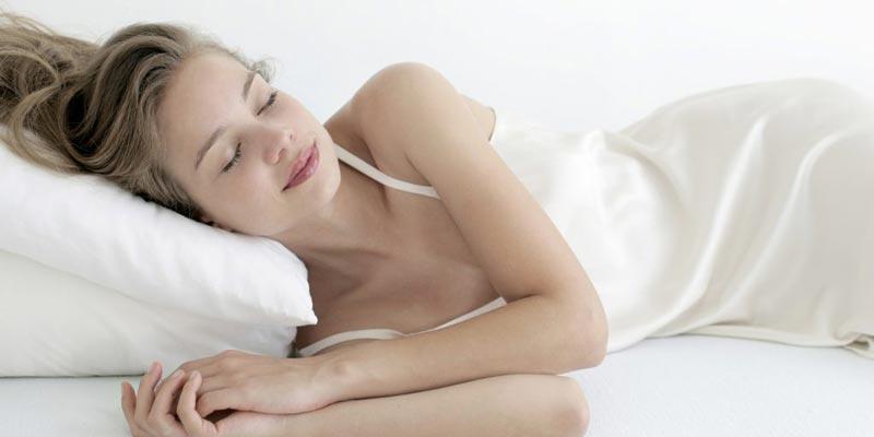 Nên lựa chọn đồ ngủ thoải mái, rộng rãi