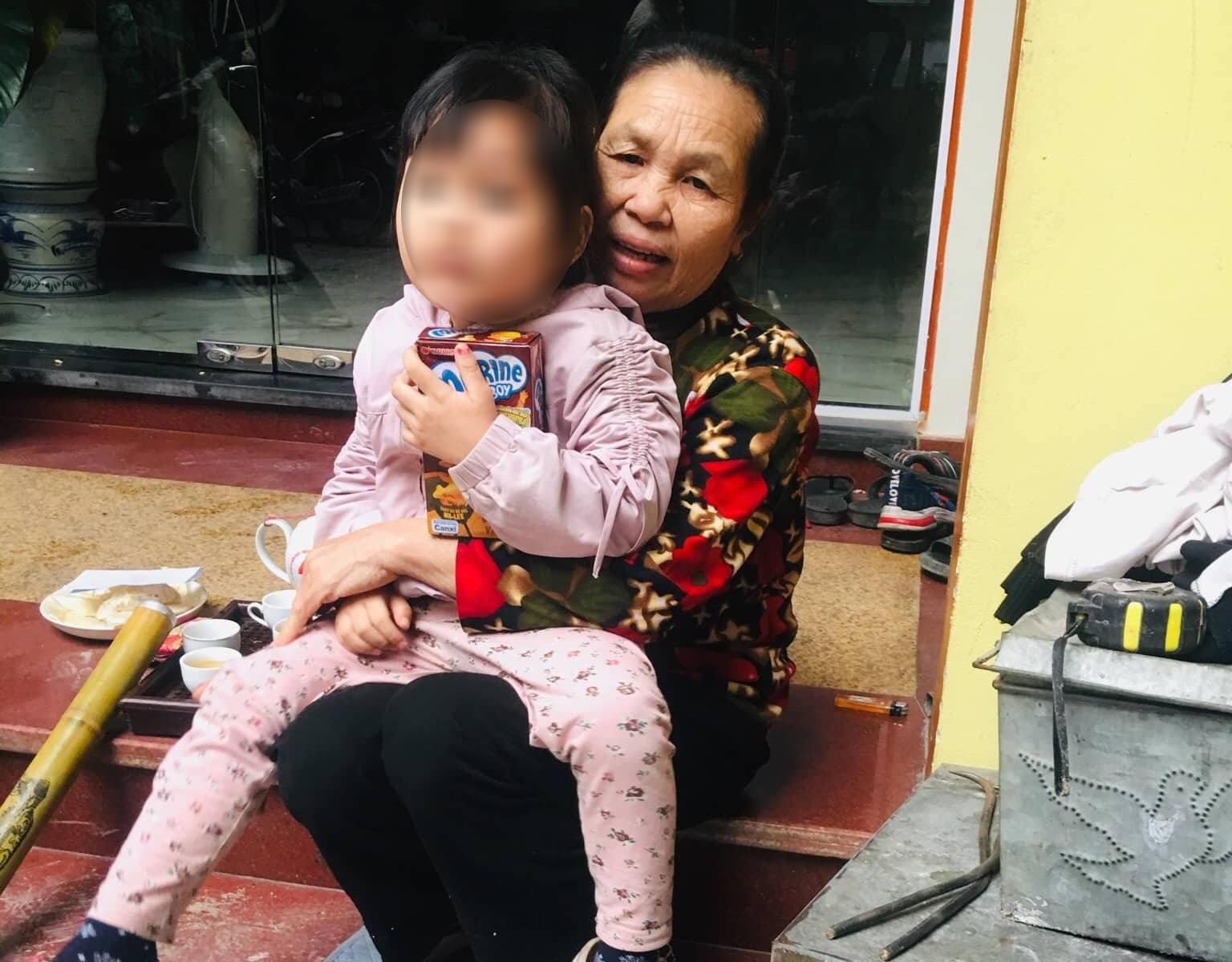 Người nhà bé gái 3 tuổi nghi bị bắt cóc ở Hà Nội: 'Gia đình tôi thấy anh ta cũng hiền lành' - Ảnh 2