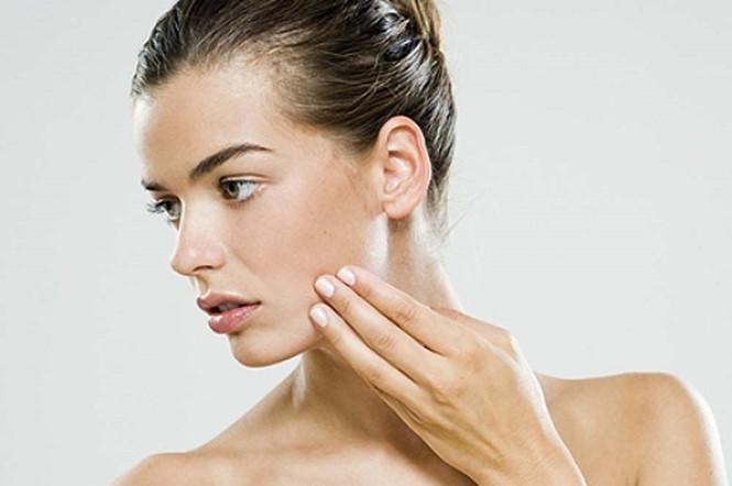 Giữ thói quen này bạn đang tự hủy hoại làn da của mình - Ảnh 1