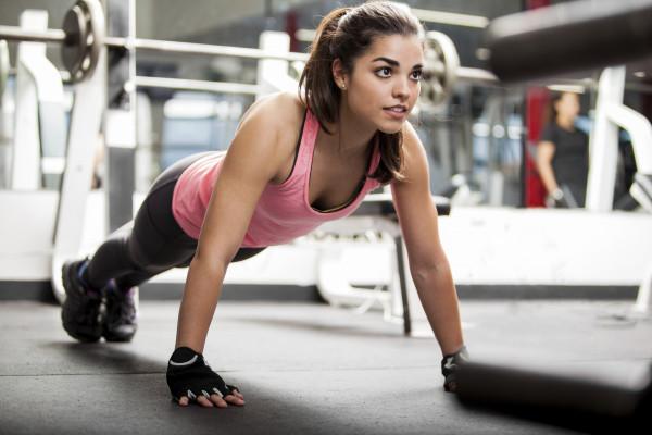 Quá trình tập luyện có thể gây kích ứng núm vú.