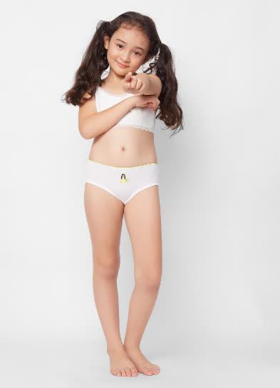 Chọn quần lót cho bé gái, cha mẹ cần biết những lưu ý này để bảo vệ sức khỏe con - Ảnh 1