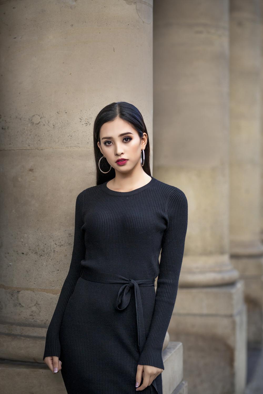Không cần váy áo lộng lẫy, hoa hậu Tiểu Vy vẫn 'hút ánh nhìn' với street style cá tính - Ảnh 5