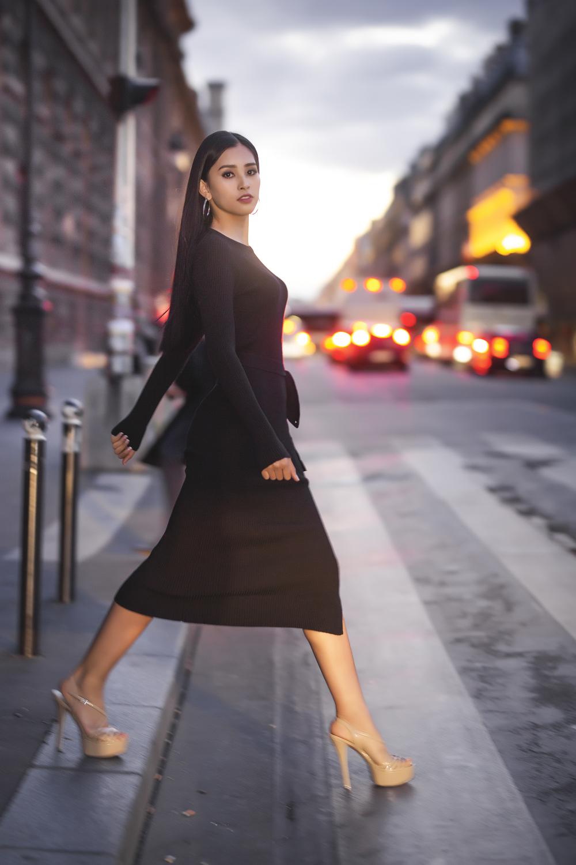 Không cần váy áo lộng lẫy, hoa hậu Tiểu Vy vẫn 'hút ánh nhìn' với street style cá tính - Ảnh 6