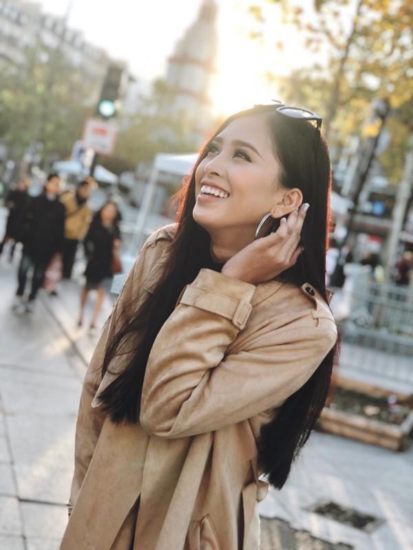 Không cần váy áo lộng lẫy, hoa hậu Tiểu Vy vẫn 'hút ánh nhìn' với street style cá tính - Ảnh 10
