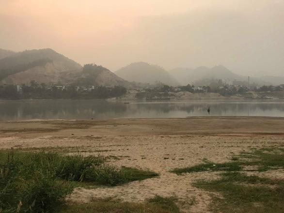 Vụ 8 học sinh đuối nước trên sông Đà: Người đàn ông đối mặt với tử thần - Ảnh 1