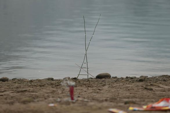 Vụ 8 học sinh đuối nước trên sông Đà: Người đàn ông đối mặt với tử thần - Ảnh 3