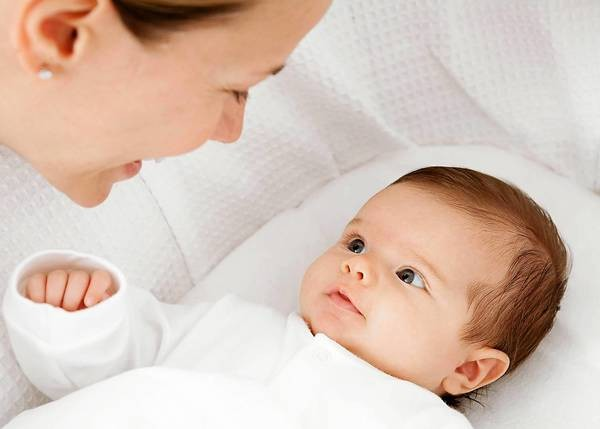 Những 'bí kíp' mẹ nên 'bỏ túi' khi chăm sóc trẻ sơ sinh 1 tháng tuổi - Ảnh 4