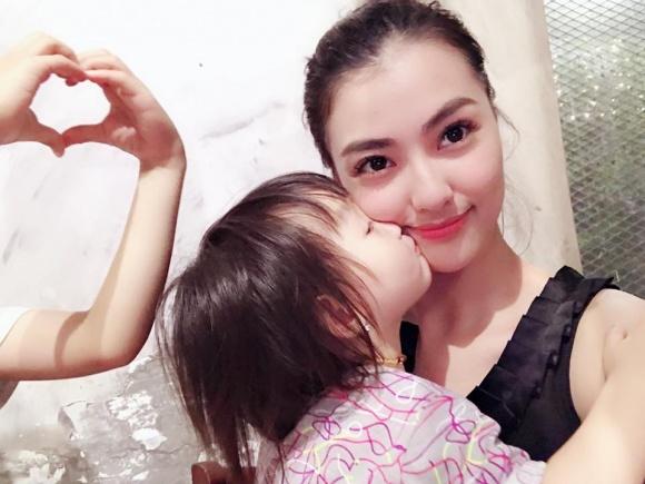 Hồng Quế bật khóc khi phát hiện điều không ổn lúc con gái đi học dù đã chọn trường 'quen' - Ảnh 2