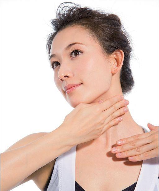 Chăm sóc da mặt nhưng bỏ qua vùng da này thì đừng hỏi sao bạn ngày càng già đi - Ảnh 2
