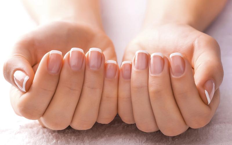 Có rất nhiều loại kem dưỡng móng tay với nhiều tác dụng như làm trắng móng, làm cứng móng hay làm mềm các phần da ngay khóe