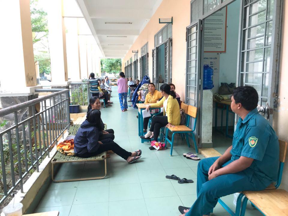 Người Cần giờ cấp tập di dời tránh bão Usagi, học sinh toàn Sài Gòn được nghỉ học từ 12h trưa nay - Ảnh 10
