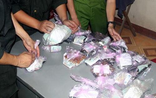 Cảnh sát đột kích sòng bạc trong vườn tràm ở Đồng Nai - Ảnh 1