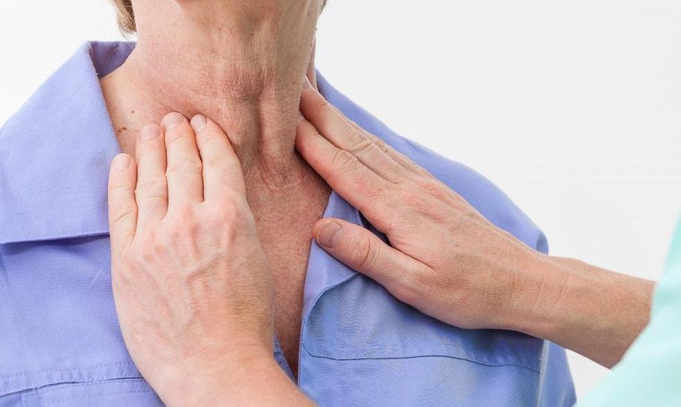Dấu hiệu cảnh báo ung thư tai mũi họng - Ảnh 2