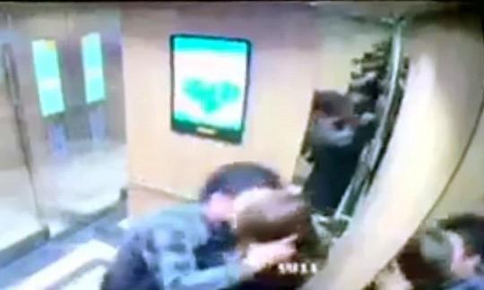 Thêm một cô gái bị sàm sỡ khi đang chờ thang máy ở Hà Nội - Ảnh 3