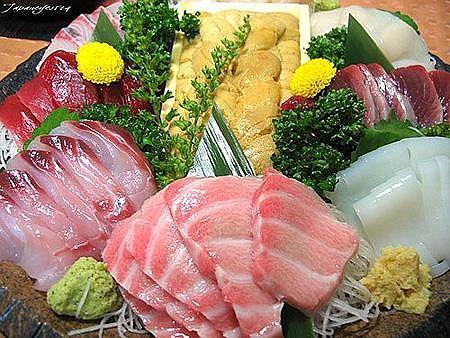 Hầu hết cá và hải sản là những lựa chọn bổ dưỡng và tuyệt vời giúp chúng ta hạn chế lượng calo. Ảnh: Internet
