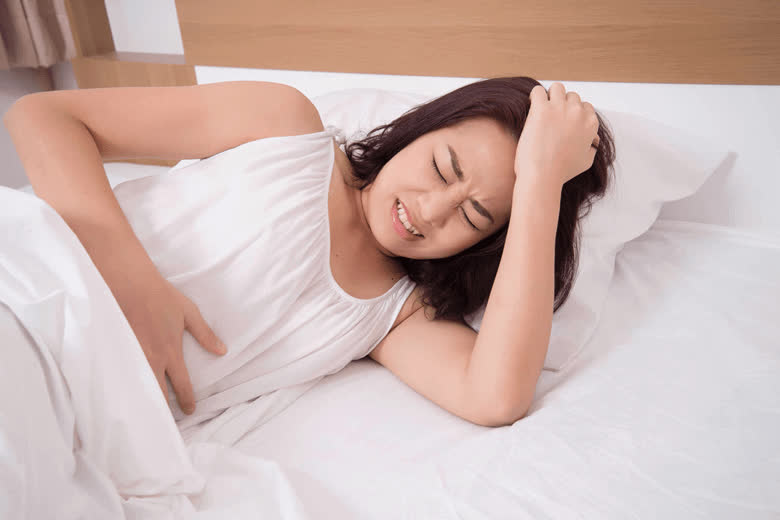 Đau bụng kinh ảnh hưởng trực tiếp đến sức khỏe và sinh hoạt hàng ngày