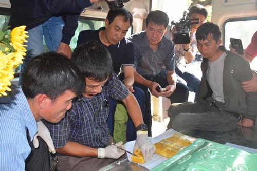 Dùng xe tang, tiểu sành để vận chuyển 14.000 viên ma túy - Ảnh 1