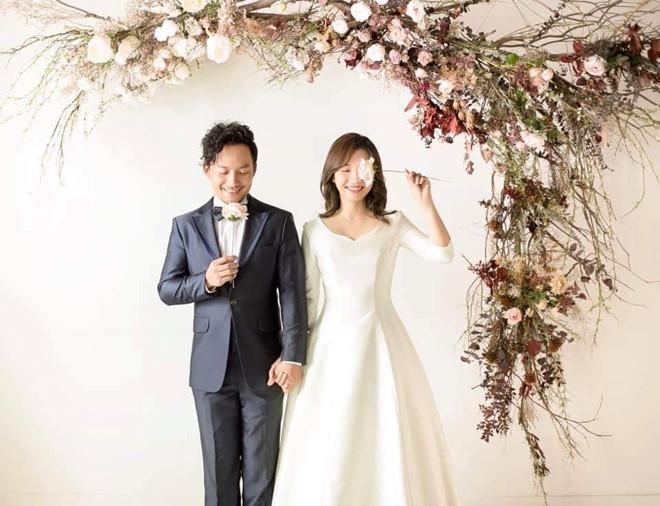 Sau đám cưới, Tiến Đạt khoe ảnh vợ 9X: 'Giấu kỹ lắm rồi mà vẫn bị lộ' - Ảnh 2