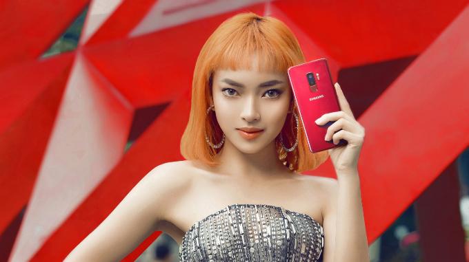 Sao Việt chuộng trang phục vang đỏ và sắc vàng chói lóa cho mùa lễ hội chào năm mới - Ảnh 4