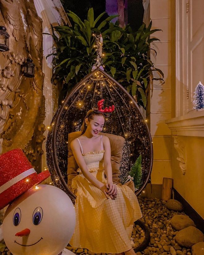 Sao Việt chuộng trang phục vang đỏ và sắc vàng chói lóa cho mùa lễ hội chào năm mới - Ảnh 7