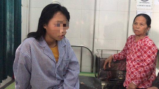 Nữ sinh lớp 9 bị đánh dã man, lột đồ: Hoàn cảnh quá đáng thương! - Ảnh 1