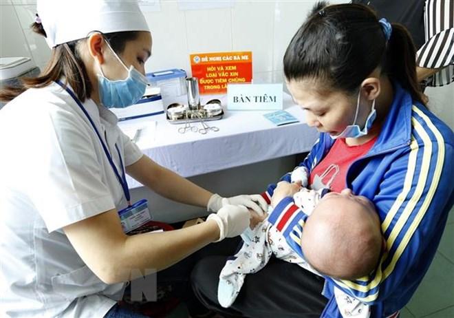 9 loại vắc-xin phụ huynh cần biết để tiêm cho trẻ dưới 12 tháng - Ảnh 1