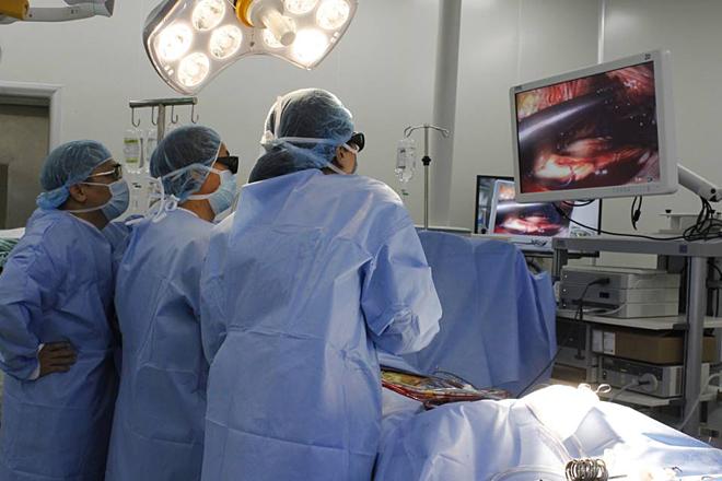 Phẫu thuật tim với vết mổ chỉ dài 1,5 cm - Ảnh 1