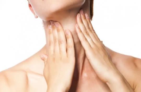 Giảm nếp nhăn vùng da ngực nhờ 7 cách làm đơn giản mỗi ngày - Ảnh 7