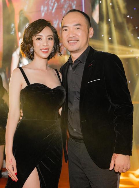 Vợ chồng nam diễn viên sống hạnh phúc sau 10 năm gắn bó.