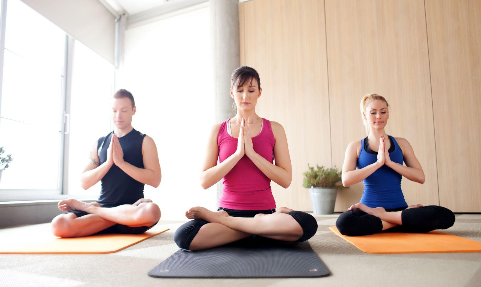 Giảm nhanh căng thẳng với các bài tập Yoga đơn giản