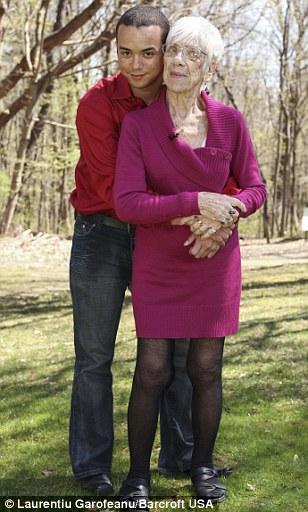 Hai người đã mặn nồng bên nhau suốt 5 năm qua