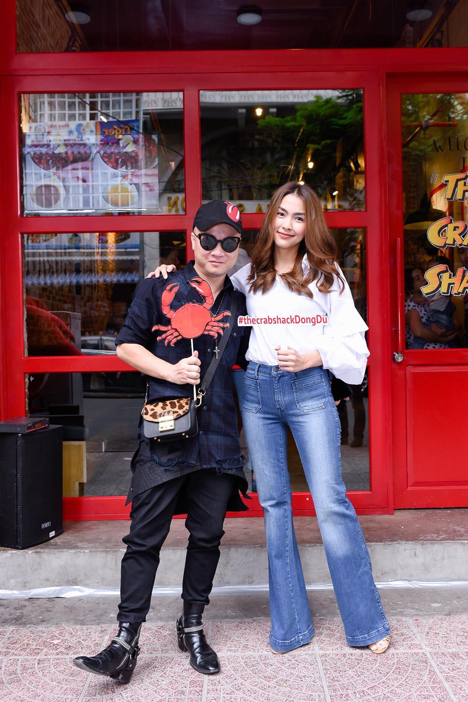 Hà Tăng, Tóc Tiên cùng loạt sao Việt 'thả dáng sành điệu' với quần ống loe - Ảnh 3