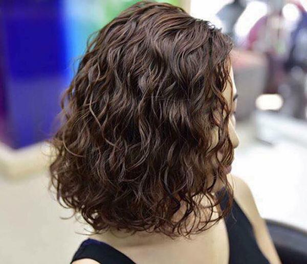 7 lưu ý chị em mới đi uốn tóc xoăn đón Tết cần thuộc lòng - Ảnh 4