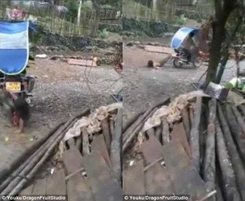 Phẫn nộ clip cha đánh đập con gái 10 tuổi dã man rồi buộc chân kéo lê sau xe máy - Ảnh 2