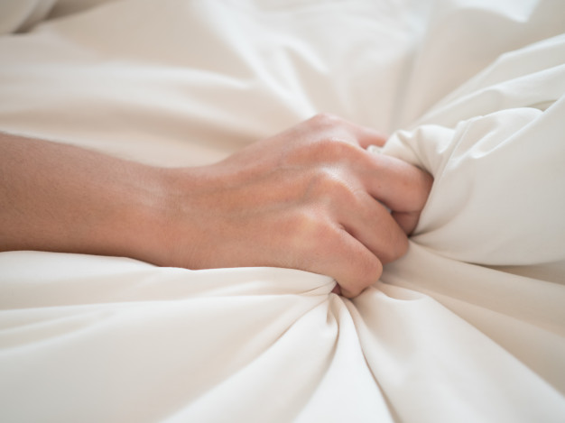 Cơn cực khoái của nữ giới có thể diễn ra trong 10 - 15 giây, con số này ở nam giới chỉ là 5 - 10 giây