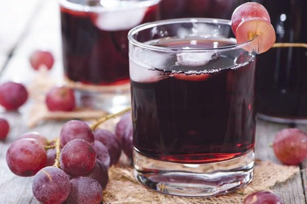 Ngày Tết ngâm rượu nho uống vừa ngon vừa khỏe