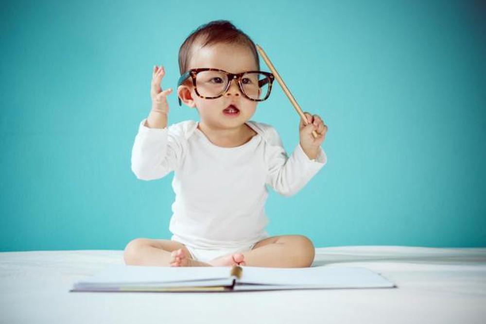 Học toán và ngoại ngữ sớm ở trẻ em để phát triển tư duy: Cha mẹ nên dạy như thế nào? - Ảnh 3