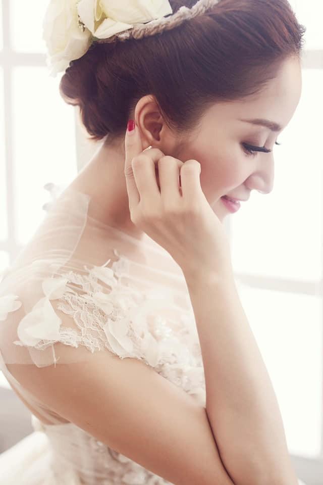 Đăng ảnh cưới lung linh của Khánh Thi, Phan Hiển thổ lộ điều bất ngờ về bà xã - Ảnh 1