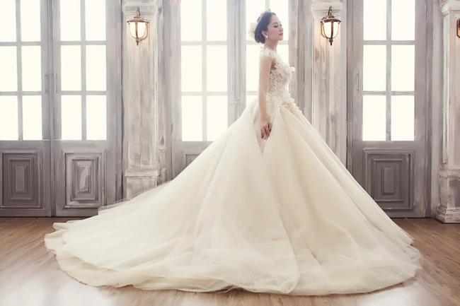 Đăng ảnh cưới lung linh của Khánh Thi, Phan Hiển thổ lộ điều bất ngờ về bà xã - Ảnh 8