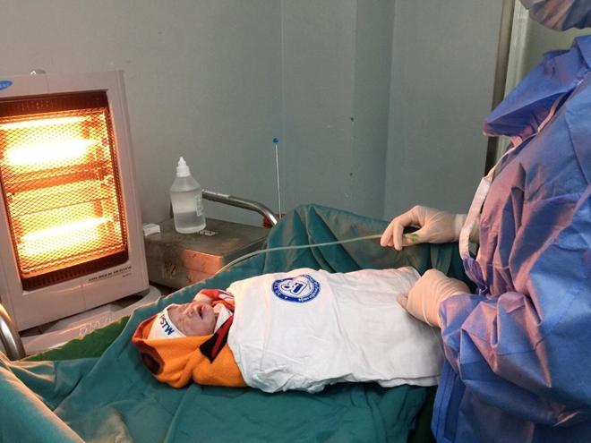 2 bệnh viện cứu sống 2 mẹ con bệnh nhân nguy cơ tử vong cao do hẹp khí quản - Ảnh 2