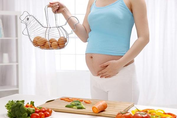 Bà bầu nên ăn bao nhiêu trứng gà trong 1 tuần là đủ? - Ảnh 1