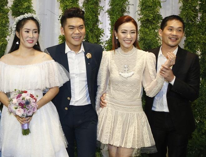 Ngân Khánh lộ ảnh hiếm hoi tình tứ bên cạnh chồng đại gia sau thời gian du học - Ảnh 5