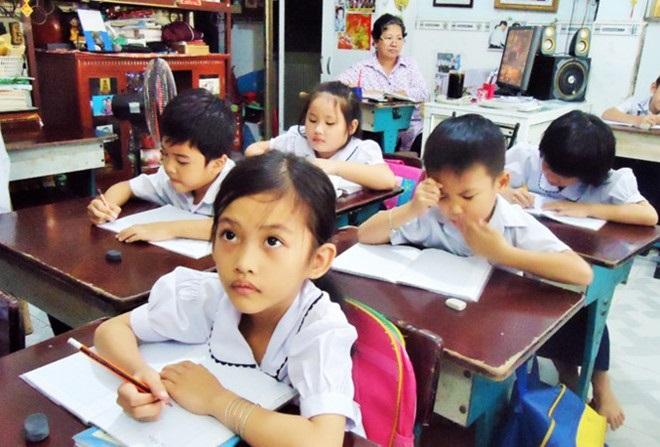 Câu chuyện xúc động ngày 20/11: Cô giáo không chồng nuôi giấc mơ đến lớp cho học sinh nghèo suốt 27 năm - Ảnh 2