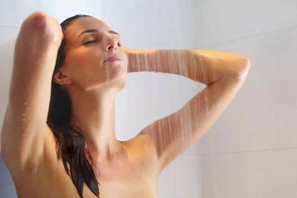 Ngày lạnh giá: Mẹ bầu lười tắm an toàn hơn! - Ảnh 3