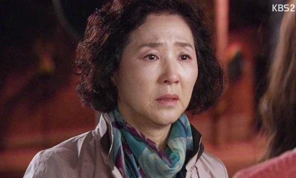 Ngày nào mẹ cũng gọi điện dặn: 'Khi nào rảnh con về nhà thăm mẹ nhé!', câu chuyện khiến ai cũng rơi nước mắt - Ảnh 2
