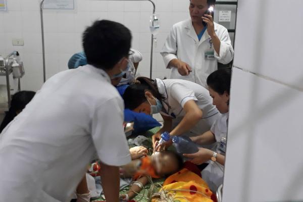 Nghệ An: Chơi trước cổng nhà, bé gái 22 tháng tuổi bị chó becgie cắn tử vong - Ảnh 1